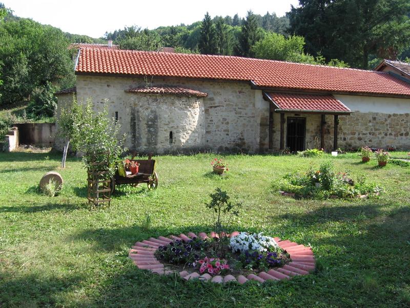 """Средновековната църква """"Св. Петка"""""""