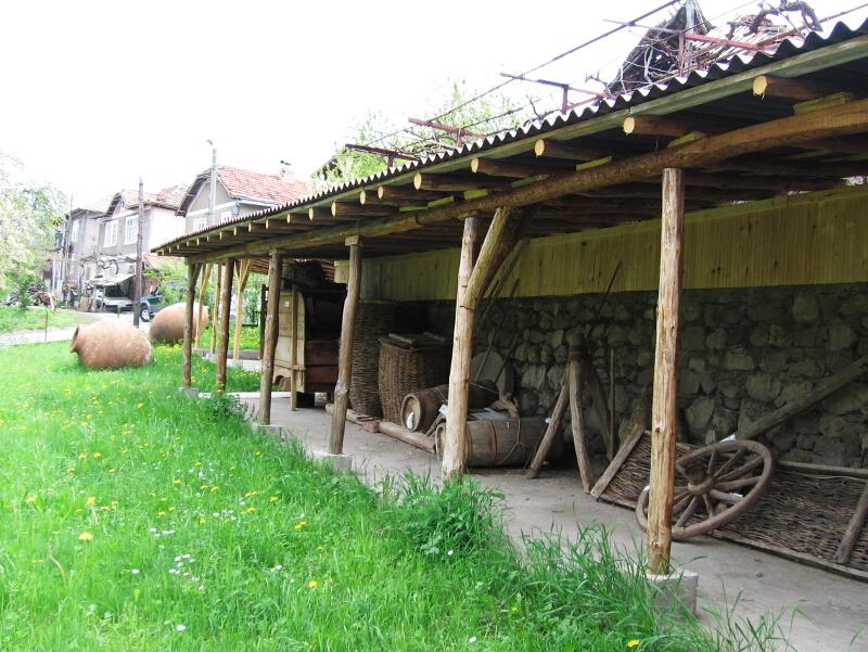 Етнографска сбирка с битови и селскостопански предмети