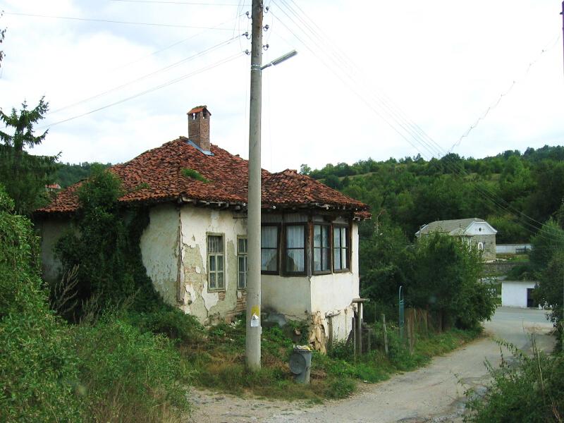 Улица в село Косача