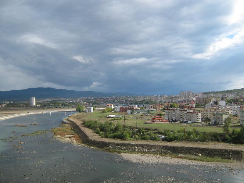Река Арда и квартали от Кърджали на десния ѝ бряг