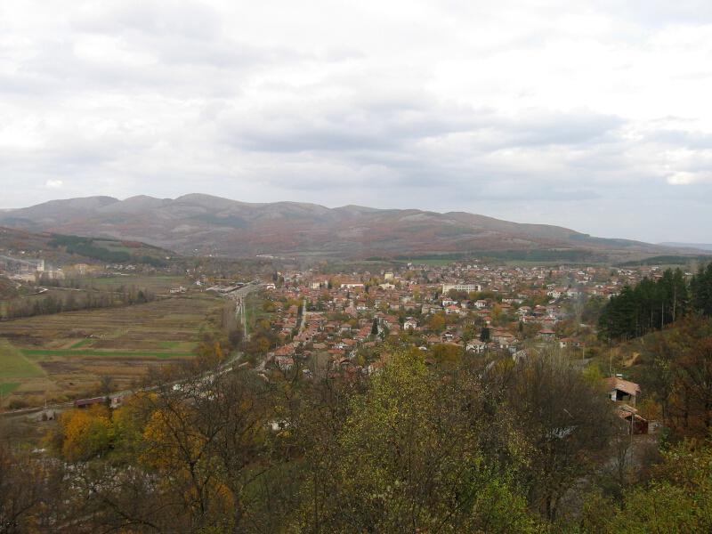 Град Земен,изглед от манастира