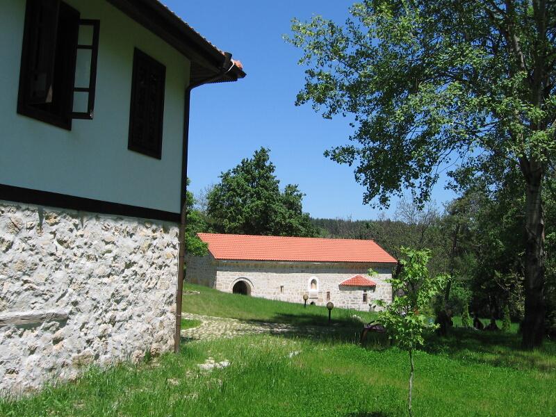 Възстановеният Неделишки манастир