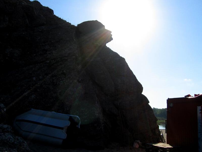 """Естествен скален феномен край устието на р. Велека, известен като """"Сфинкса"""""""
