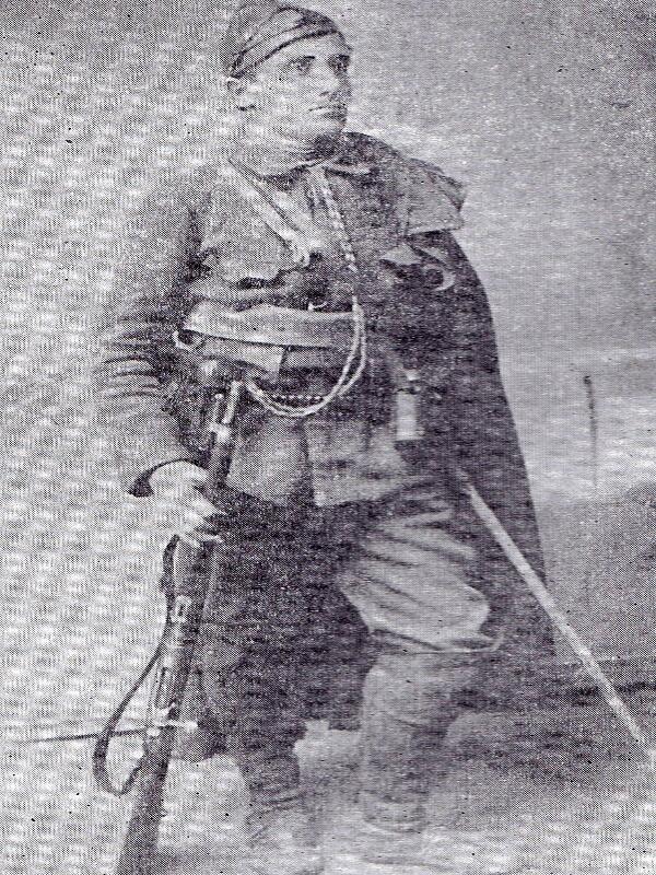 Владо Черноземски в четническа униформа
