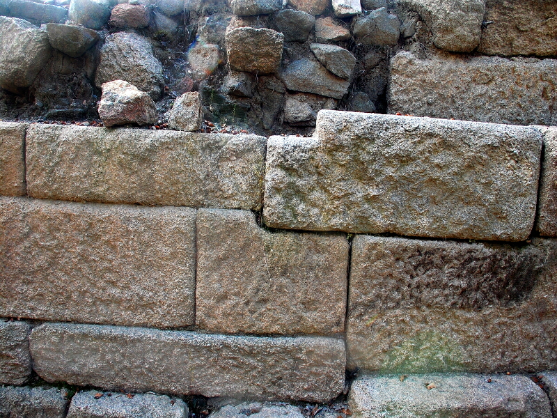Тракийски градеж - суха зидария