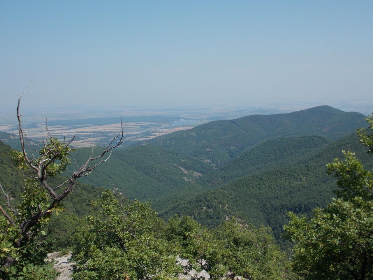"""Поглед на североизток към крепостта """"Калето"""""""