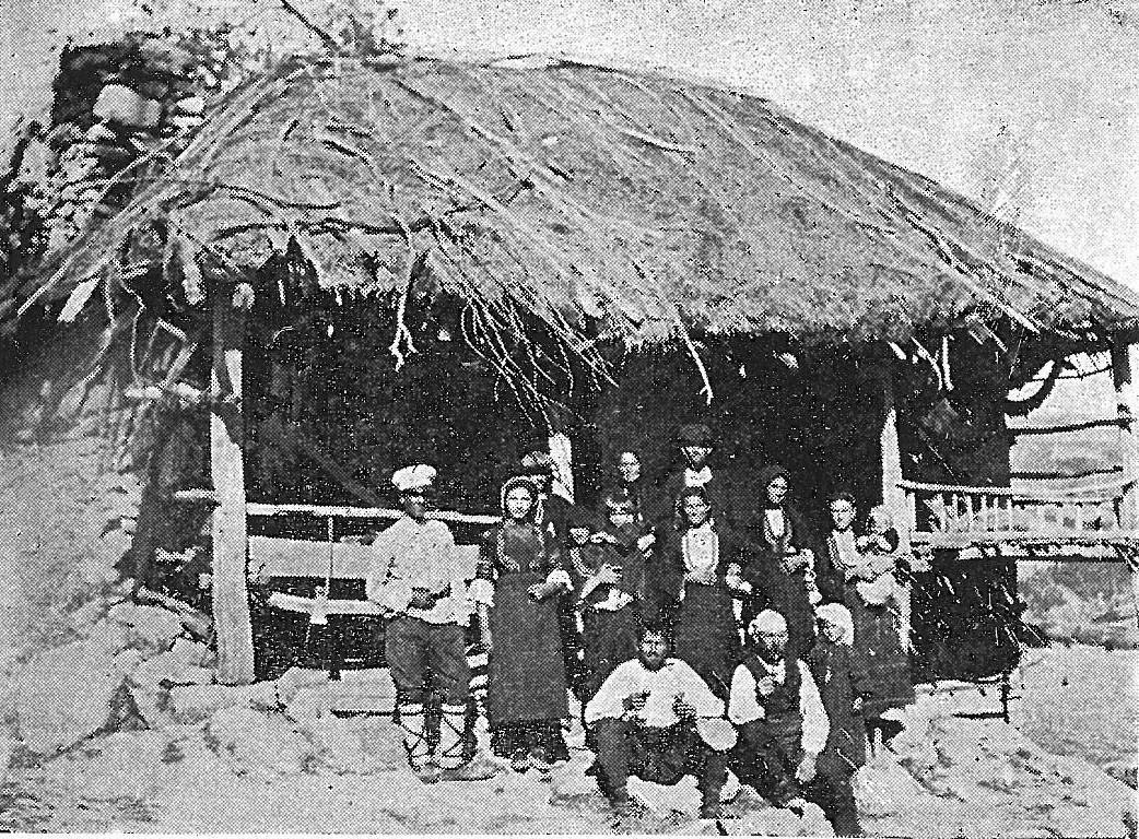 Стар тип двуделна къща за живеене, с аѐ (чардак), Чучучкка махала