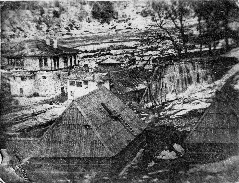 Съоръжения за добив на желзо край Самоков, архивна снимка от ИМ - Самоков