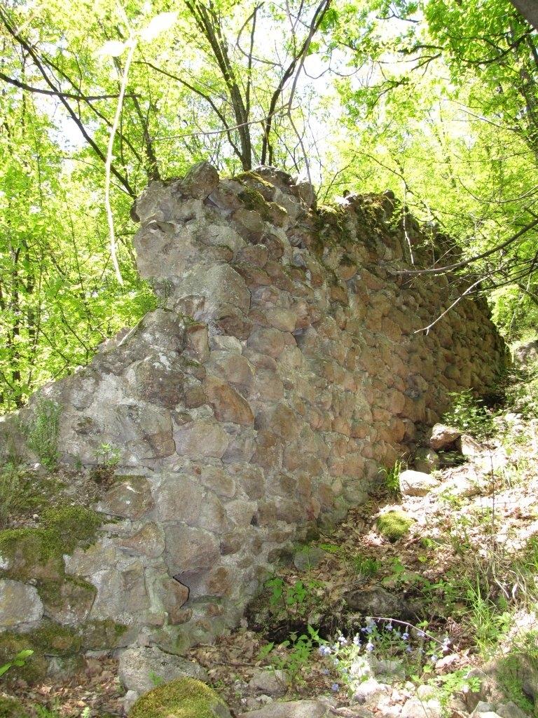 """Крепостната стена на крепостта """"Св. Никола"""""""