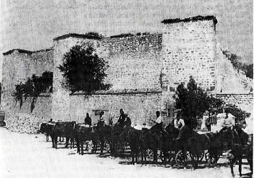 Цитаделата на варненската крепост (Барут хане) преди разрушаването ѝ