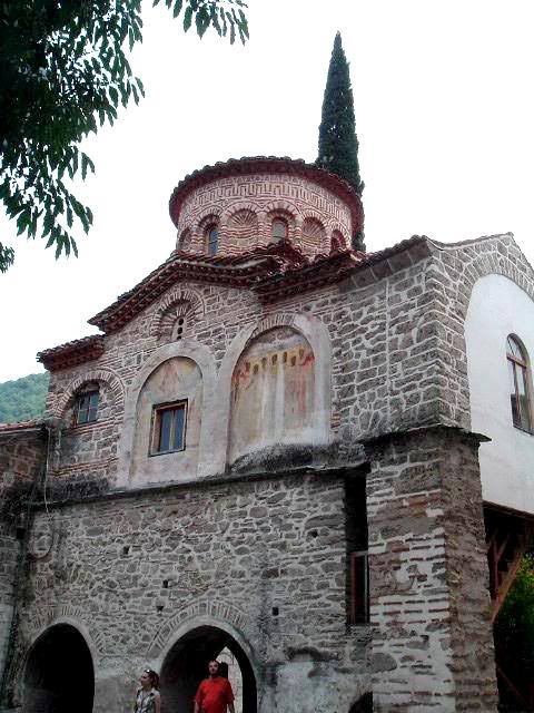 """Старинната църква """"Св. Архангели"""""""
