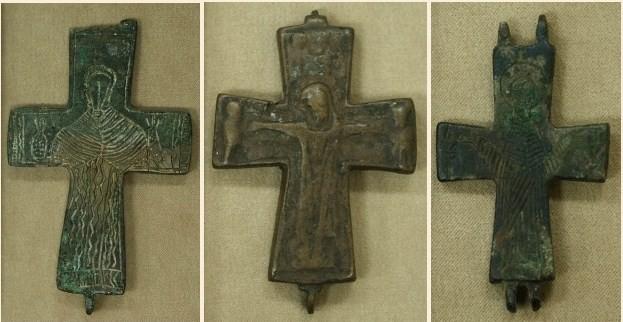 Средновековни бронзови кръстове - енколпиони
